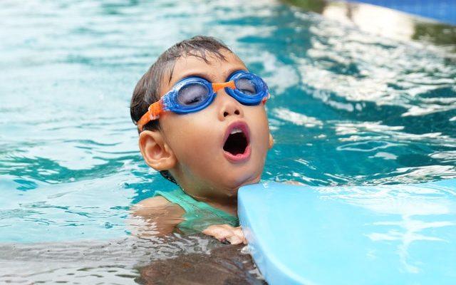 Jak szybko i skutecznie nauczyć dziecko pływać?